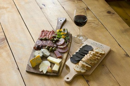 sheridans-wine-bar